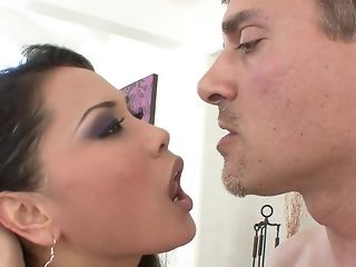 Greedy stunner pleases her paramour to get a throatful be required of jism freeporn