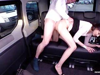 Cabbie to plumb her muff