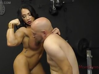 Muscle Goddess Brandi Mae Makes Say no to Marionette Gobble Say no to Donk