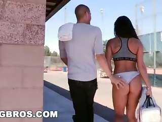 BANGBROS - Witness Xander Corvus Screw Gianna Nicole In the air A Public Park!
