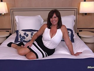 Imperceptive domineer Cougar MILF loves young cock