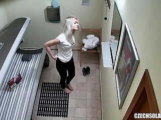 Blonde Teen Cought on Hidden Cam in Public Solarium