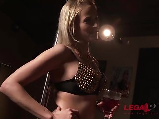 Nicole Enjoy and Ria Sunn are having rectal fuck-fest at near a ill-tempered four way with some nasty studs